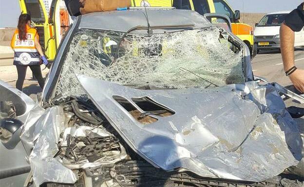 """התאונה הקטלנית אתמול (צילום: מד""""א)"""