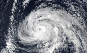 """סופת ההוריקן """"אופליה"""" מראה מהחלל (צילום: CNN)"""