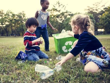 מעורבות חברתית (צילום: kateafter | Shutterstock.com )