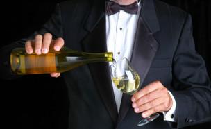 מלצר יין (צילום: אימג'בנק / Thinkstock)