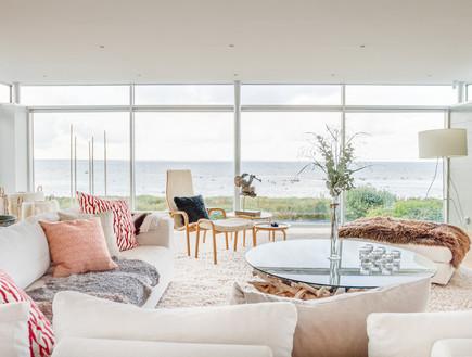 בתים למכירה 08_ חלונות ענקיים שמשקיפים לנוף