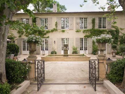 בתים למכירה 10_ אווירה אירופאית בניחוח כפרי