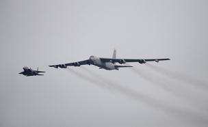 מפציץ מסוג B-52, ארכיון (צילום: רויטרס)