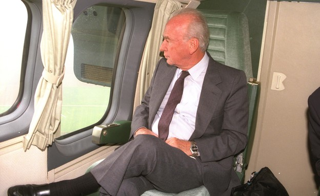 """ראש הממשלה יצחק רבין מבקר בגרמניה ב-1992 (צילום: צביקה ישראלי, לע""""מ)"""