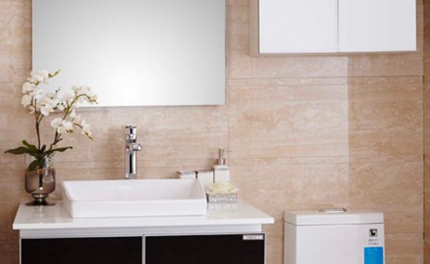 ארונות אמבטיה - המחיר כולל גם את הברז המראה והכיור (צילום: יחסי ציבור)
