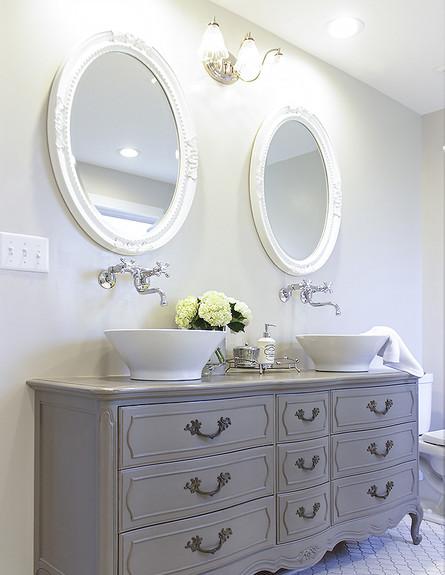 ארונות אמבטיה - שיפוץ של שידה קיימת (צילום: יחסי ציבור)
