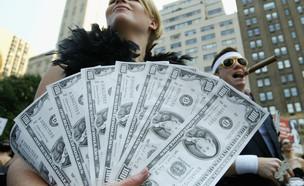 מחאת מיליארדרים למען בוש בארצות הברית 2004 (צילום: Justin Sullivan - Getty Images)