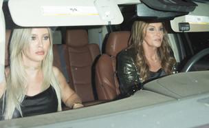 קייטלין וסופיה מגיעות (צילום: Splash News)