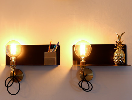 10 דיטיילז אורבנית בכנרת_ עוד מבט מדפי תאורה (צילום: ולדה טרוגמן)