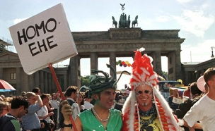 תמיכה בנישואים גאים בברלין (צילום: רויטרס)