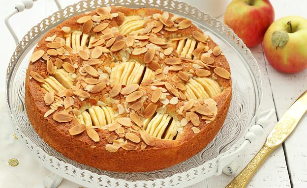 עוגה כפרית של תפוחים ושקדים (צילום: ענבל לביא, אוכל טוב)
