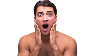 גבר מובך (צילום: kateafter | Shutterstock.com )