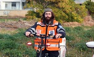 מאיר פרקש על אופניו (צילום: איחוד הצלה)