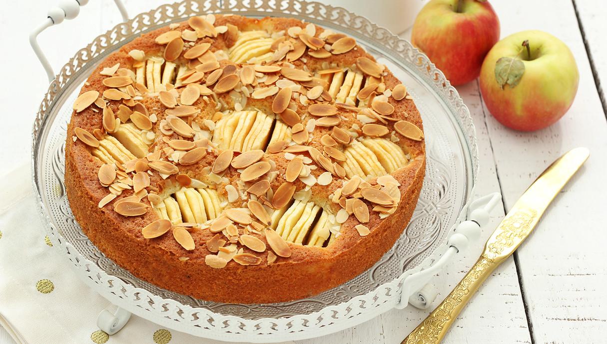 עוגה כפרית של תפוחים ושקדים