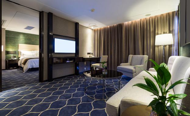 כך תחסכו כסף בהזמנת מלון בחופשה (צילום: roseburn, 123RF)