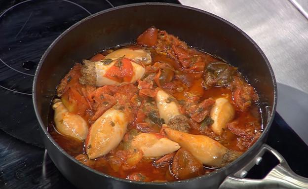 """קלמארי ממולא נקניקיה איטלקית (צילום: מתוך """"מאסטר שף"""" עונה 7, קשת)"""