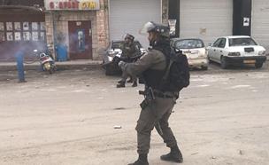 הפרות סדר במחסום קלנדיה (צילום: חדשות 2)