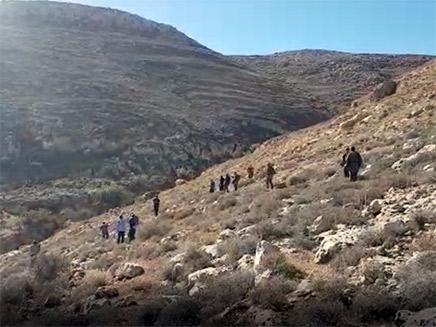 חיילים עם המטיילים בקוסרא