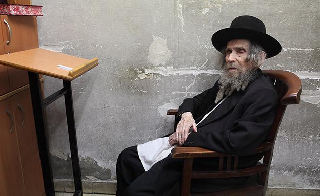 צנוע גם בצוואתו. הרב שטיינמן (צילום: yaakov Naumi/Flash90)