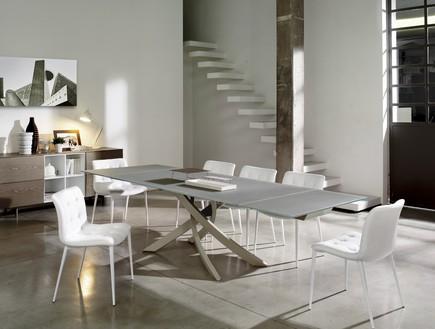 מבצעי סופשנה, רשת אליתה ליוינג, שולחן וכיסאות (צילום: יחצ)