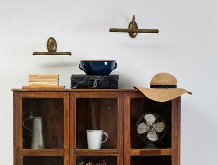 תומיק, ארון עץ מלא טיק, סטיילינג דיאנה לינדר (צילום: בועז לביא)