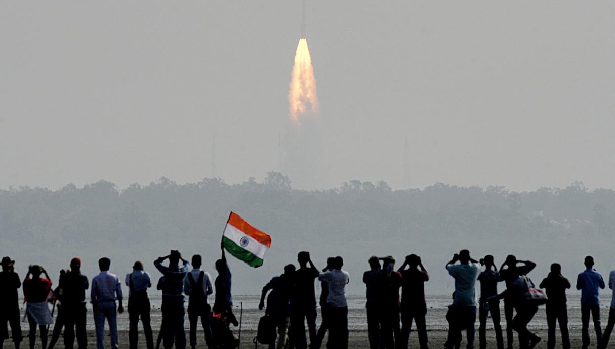 הודו משגרת 104 לווינים בו זמנית פברואר