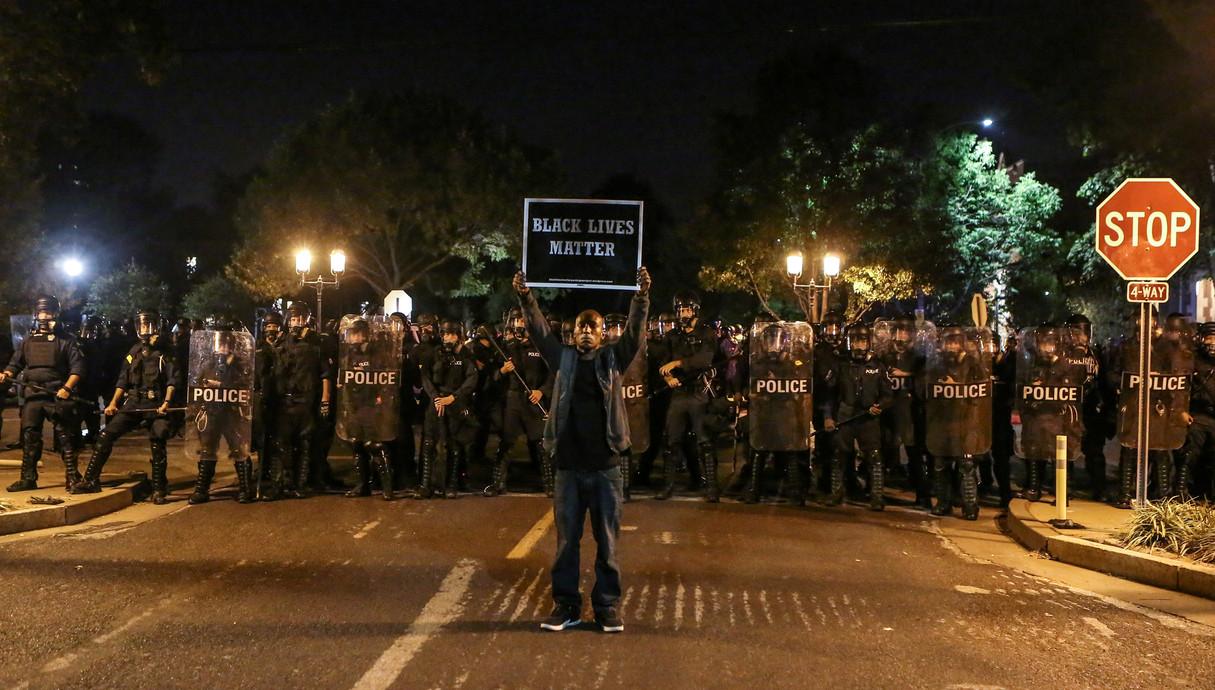 מפגין black lives matter בסנט לואיס (ספטמבר 2017)