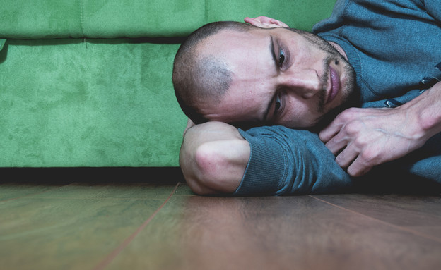 גבר בדיכאון  (צילום: shutterstock)