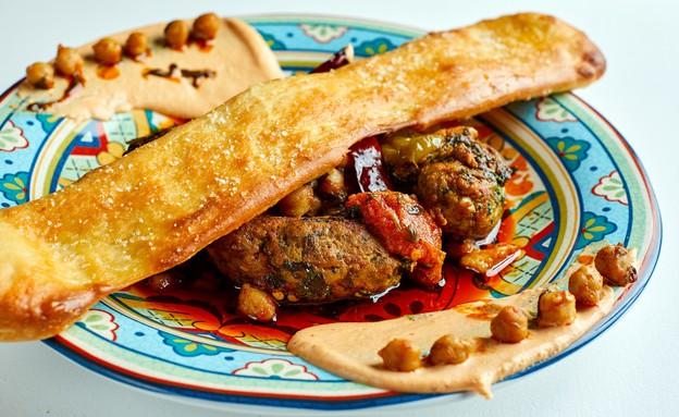 קציצות לוקוס ברוטב מרוקאי חריף עם פרנה (צילום: אמיר מנחם, מאסטר שף)