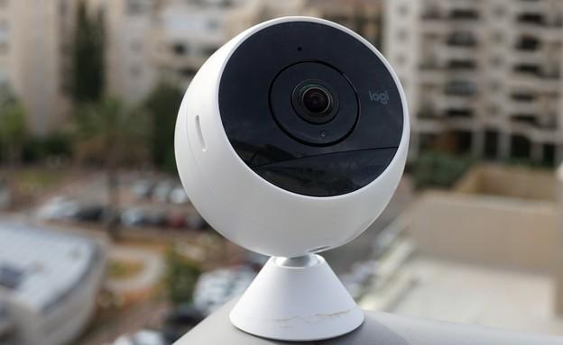 מצלמת אבטחה Logitech Circle 2 (צילום: איתי מקמל, NEXTER)