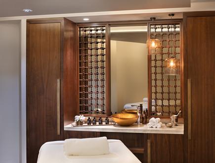 מלון סטאי, אמבטיה