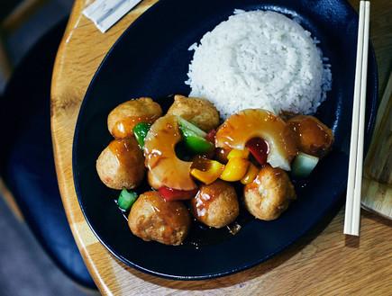 סין צ'אן עוף חמוץ מתוק