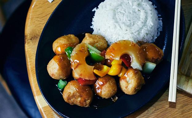 סין צ'אן עוף חמוץ מתוק (צילום: אמיר מנחם, אוכל טוב)