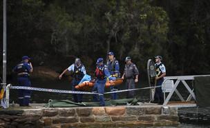 צוותי הצלה אחרי התרסקות מטוס קל ליד סידני (צילום: ap)