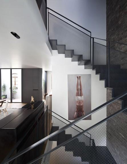 צבי גרש, ג, מדרגות