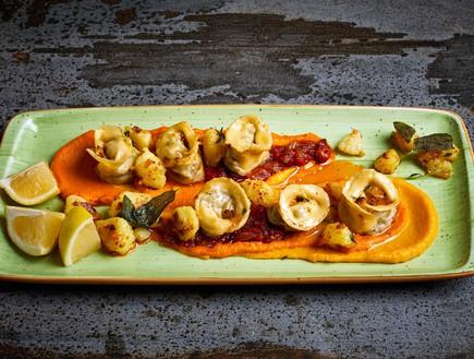 טורטליני טלה על קרם ירקות שורש (צילום: אמיר מנחם, אוכל טוב)