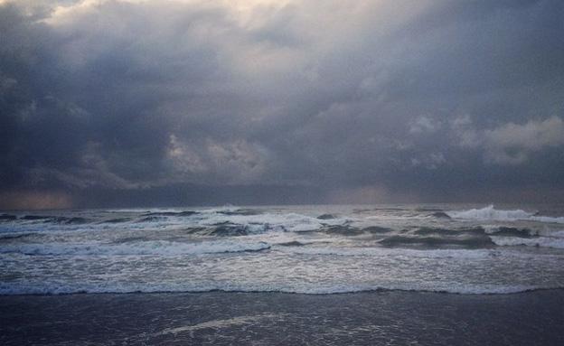 שיא הסערה - לקראת הצהריים (צילום: עדו פילדמן)