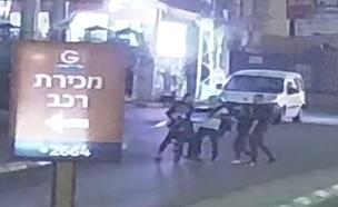 צפו בתיעוד ממצלמות האבטחה (צילום: דוברות המשטרה)