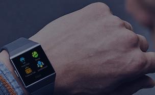 שעון חכם פיטביט איוניק (צילום: יחסי ציבור פיטביט)