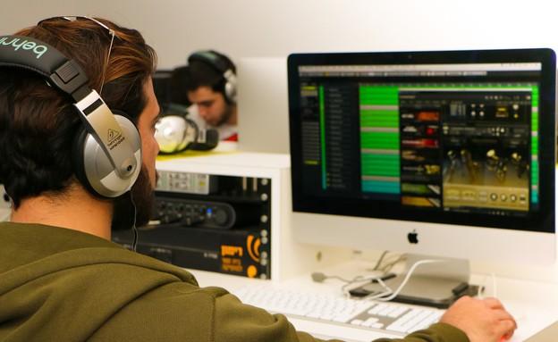 לשלב מוזיקה בהיי-טק - חדר טכנולוגי בבית הספר רימון (יח``צ: ספי מנוביץ')