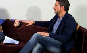 """לארי קינג מראיין את גיל רוזן (צילום: מתוך """"נקסט"""", שידורי קשת)"""
