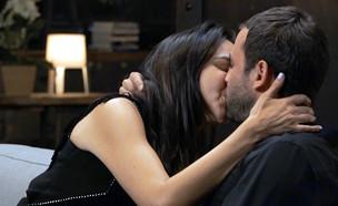"""רגע ההחלטה של טל ואחווה: נשארים יחד  (צילום: מתוך """"חתונה ממבט ראשון"""", קשת 12)"""