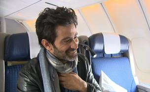 """האיש החשוב מאוד בדרך להוליווד  (צילום: מתוך """"ערב טוב עם גיא פינס"""", קשת 12)"""