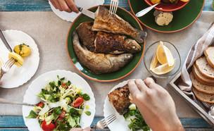 דגים, ארוחת דגים (צילום: kateafter | Shutterstock.com )