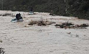 חילוץ בנחל חילזון (צילום: דוברות כבאות והצלה מחוז צפון)