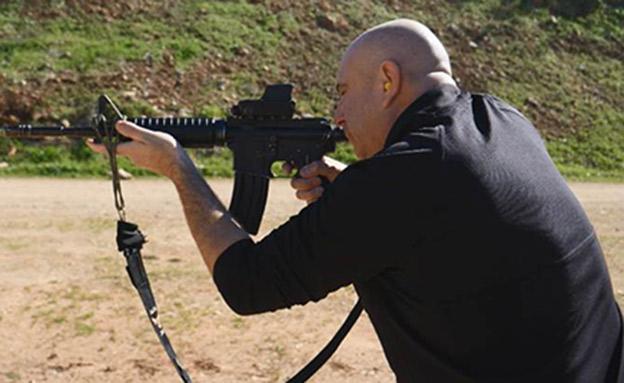 איך גורמים ללוחמים לירות ולפגוע? (צילום: החדשות)