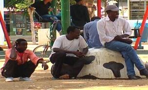 """פליטים בדרום ת""""א (ארכיון) (צילום: החדשות)"""