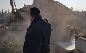 לעיני המשפחה: ביתה נהרס עם הרכוש (צילום: באדיבות המשפחה)