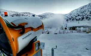 תותח השלג בפעולה (צילום: אתר החרמון)