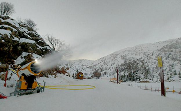 תותח השלג בפעולה באתר החרמון (צילום: אתר החרמון)